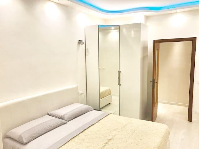 Double Bedroom in Modena City - Modena - Leilighet