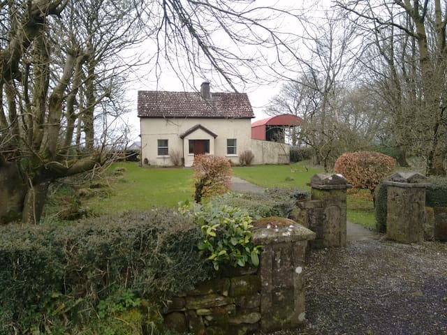 Quaint Farmhouse, Loughcrew / Oldcastle - Oldcastle - Rumah