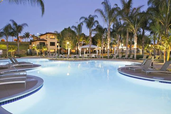 Hilton MarBrisa Resortat Carlsbad June 30-July 7