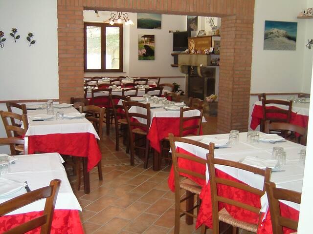 CAMERA PRESSO AGRITURISMO GRISCIANO - Grisciano - Bed & Breakfast