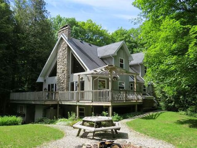Gorgeous All Season Chalet - Wiarton - House