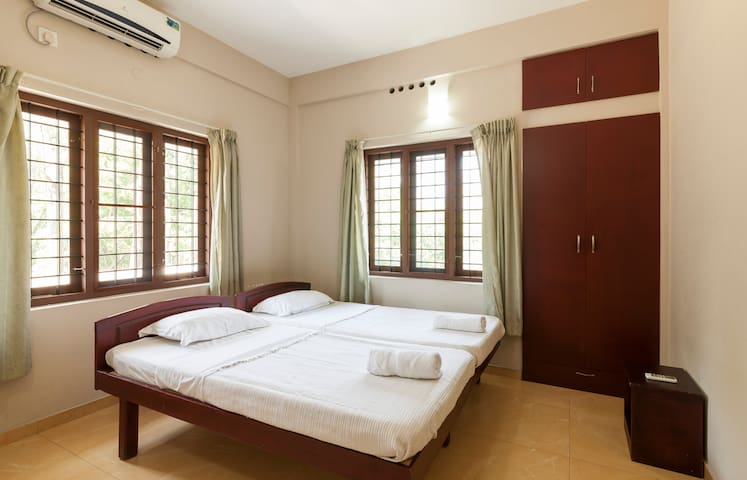 The Greens Residences, Luxury furnished Residences - Kochi - Daire