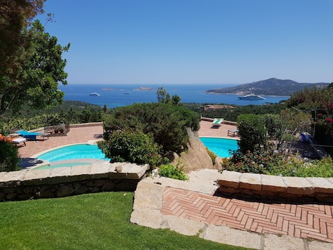 Carmen2 Villa's with pool and sea view