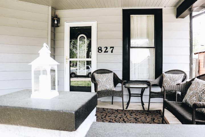 827 Dawson - Phenomenal, Huge, Renovated Home!!