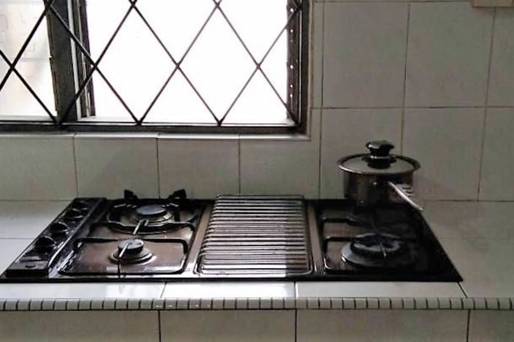 Common Kitchen - Stove