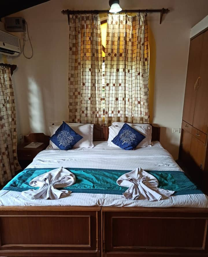 Cozy Hotel Room On Calangute Beach