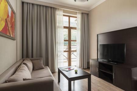 Апартаменты с двумя спальнями в Красной поляне. - Estosadok - Hotellipalvelut tarjoava huoneisto