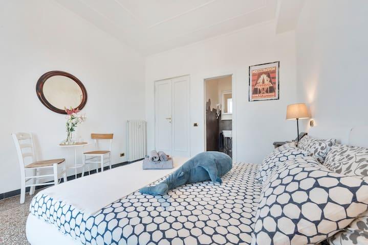 San Giovanni stay 2018 pvt bathroom & balcony