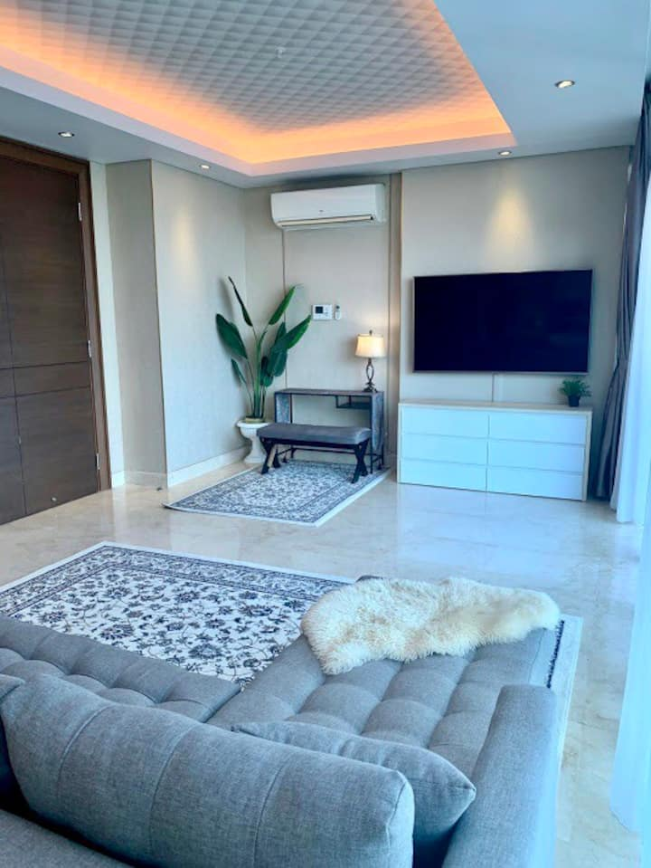 Windsor Luxury Suite Private Lift 3BR - Puri Mall