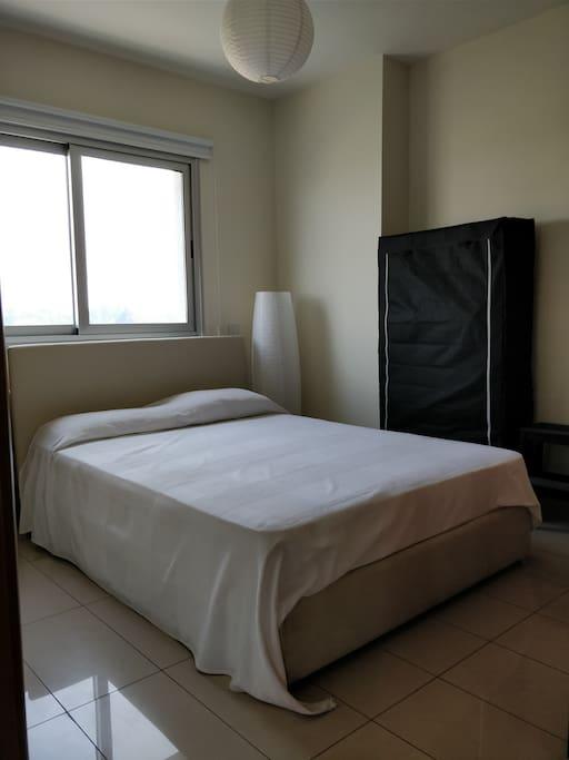 Guest's En-suite Bedroom