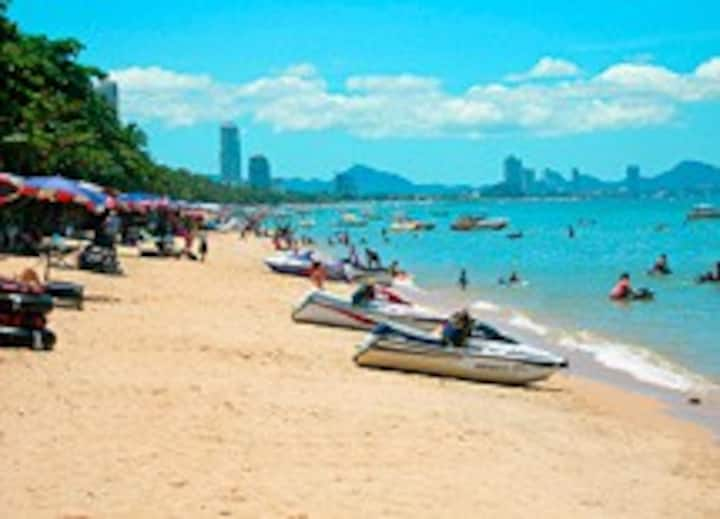 Pattaya Beach Front villa, Best Jomtien Location