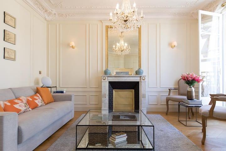 Elegant 2 Bedroom Apartment With Terrace