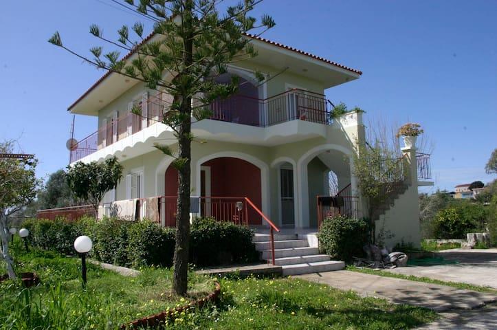 mantzavinata sweet home