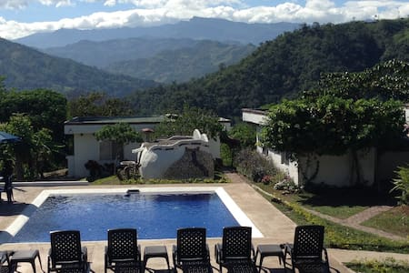 3 houses - pool 6-12 people - Villeta, Tobia Chica