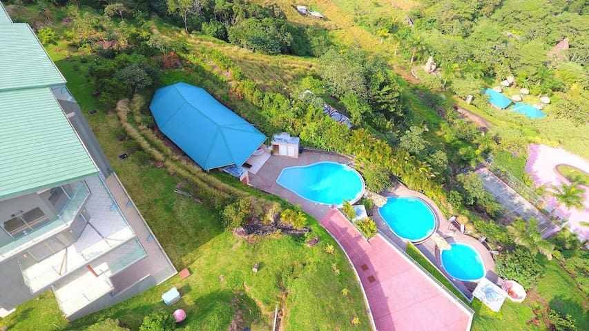 2B/1B CORNER CONDO SUITE with VIEWS - Guanacaste  - Apartamento