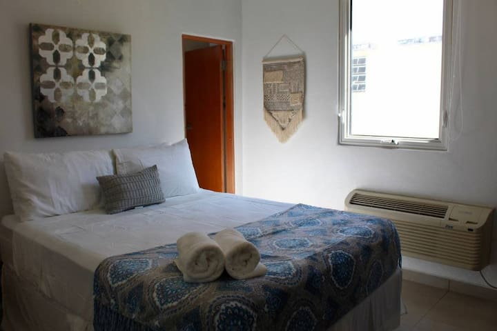 Loiza XVI Cozy Studio in San Juan, near Ocean Park