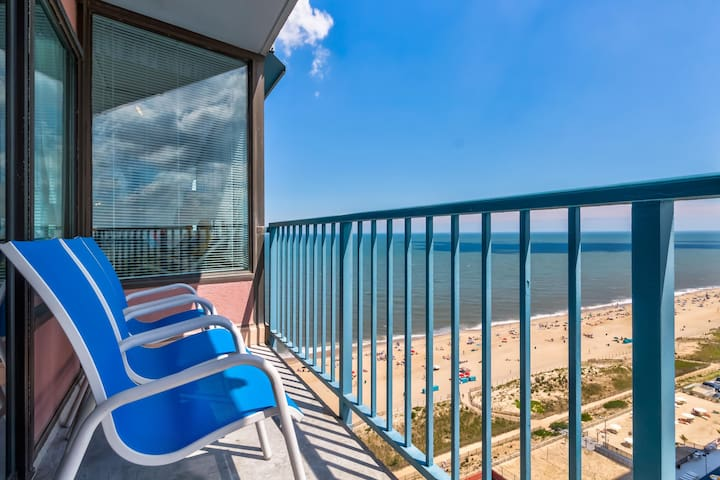 Oceanfront condo w/access to shared pool, sauna, gym, etc w/fee.