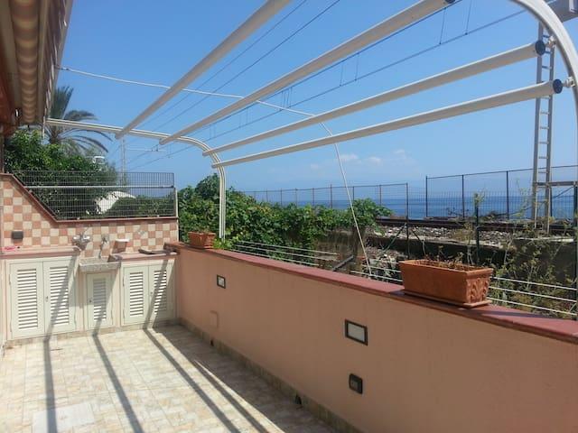 APPARTAMENTO FRONTE MARE CARMEN - Itala Marina - Lakás