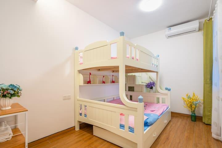 粉色浪漫儿童房-1