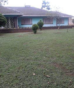 Top 20 bed and breakfasts harare inns and b bs airbnb for Beds zimbabwe