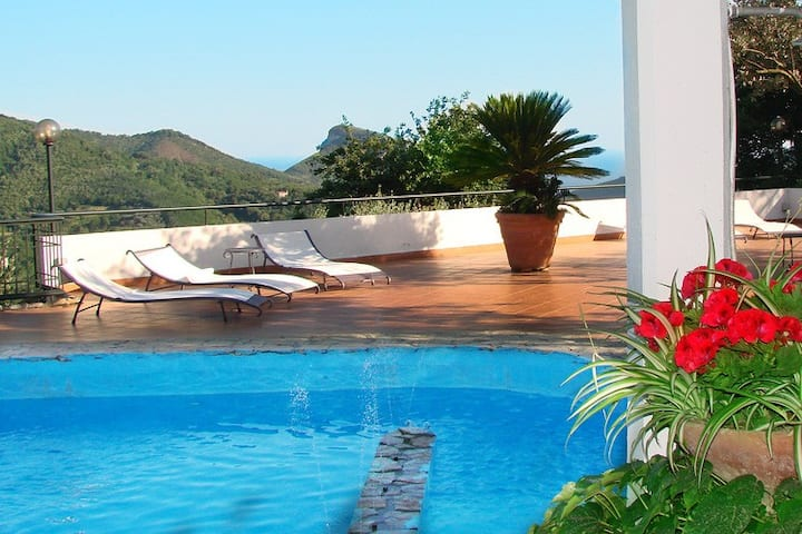 elegant villa at the gates of the Amalfi coast