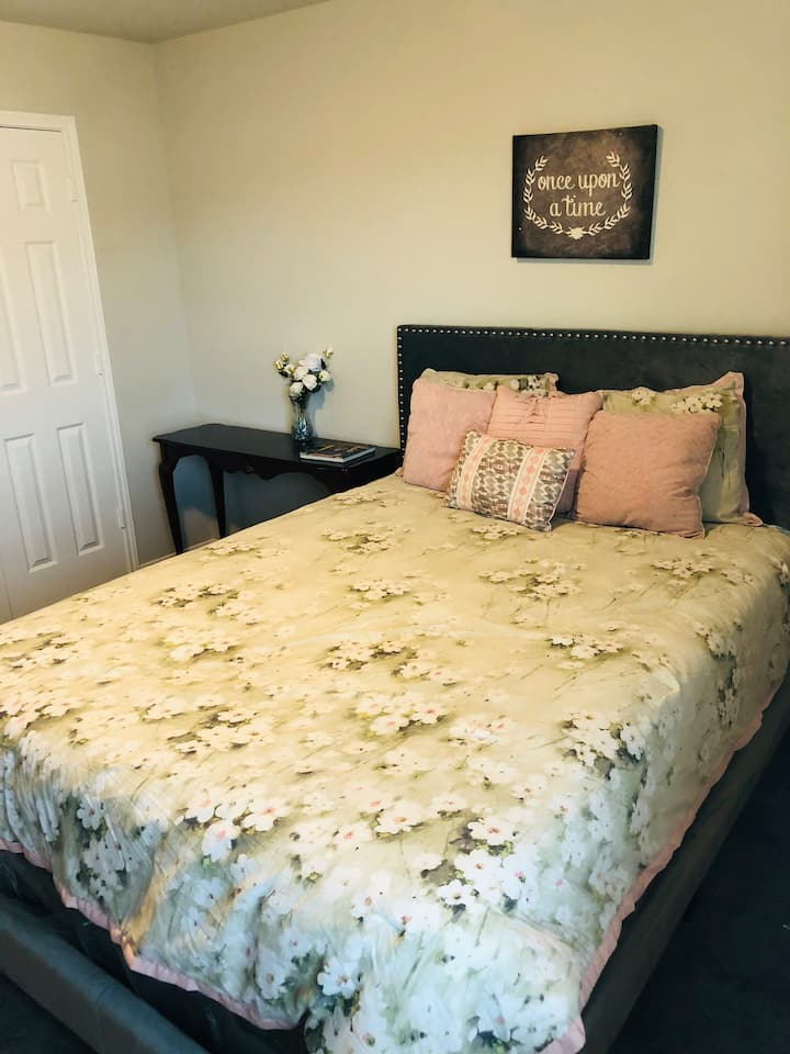 Spacious clean bedroom in brand new house!