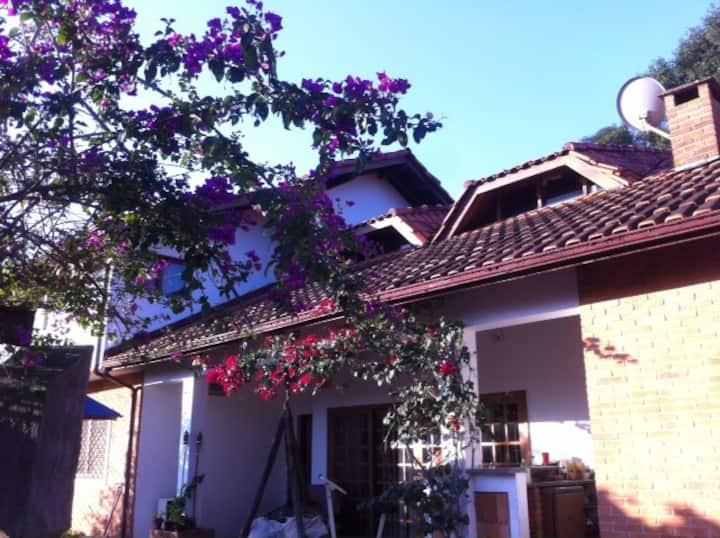 Casa Charmosa em Interlagos ao lado do Autódromo