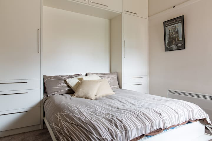 Cosy room in period house - Gardenvale - Casa