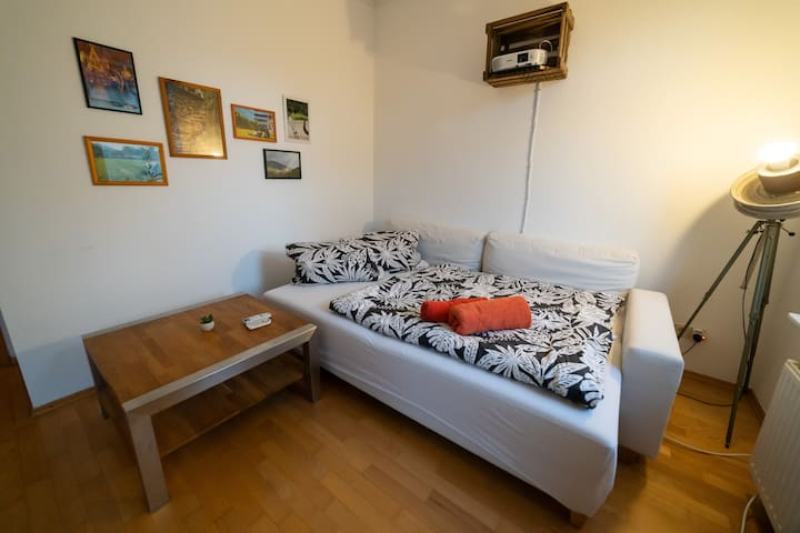 Cosy room with balkony, nearby the city-center