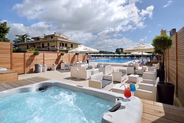 alla scoperta dell'Umbria!piscina e idromassaggio