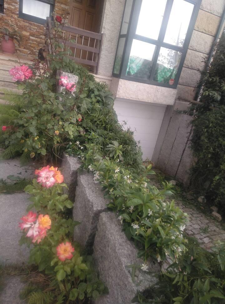 Habitación y baño en Santiago de Compostela