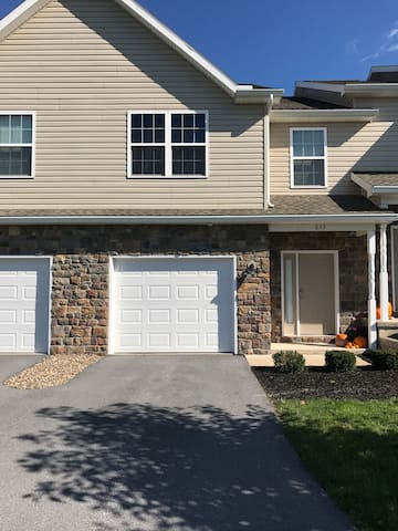 Townhouse for Rent for Penn State vs. Michigan