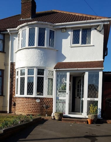 Modern 1930s House near airport, nec Solihull
