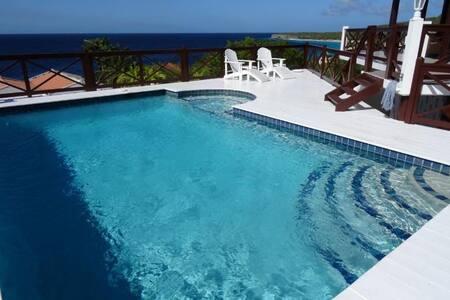 Cas Blanku-seaside sunsets/huge private pool - Villa