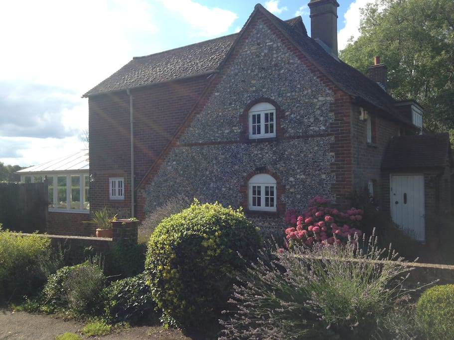 Cosy Double Country Cottage Gatwick London Nearby Houses