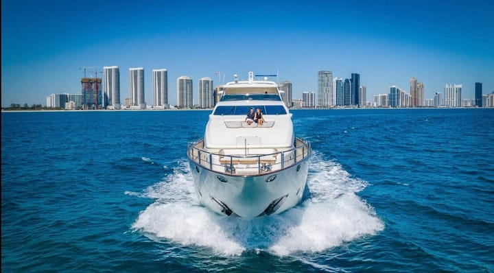 116' Azimut - Rent a Luxury Yachting Experience!