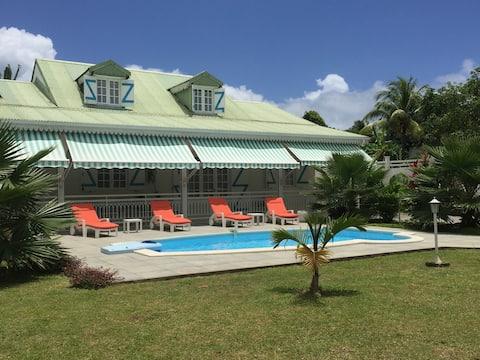 Belle Villa Créole avec piscine