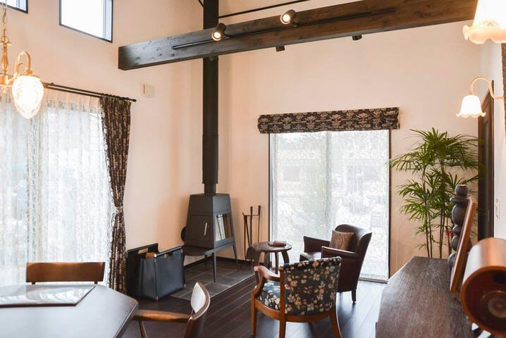 Relaxing Resort for 4 w/Fireplace and WiFi! [IMA]