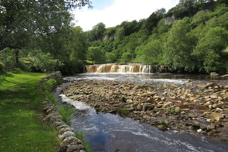 Keld, Swaledale, Yorkshire Dales. Double room