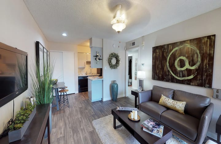 Move in with just your suitcase | 1BR in Phoenix