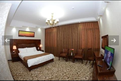 Сдаю уютные две комнаты со всеми удобствами.