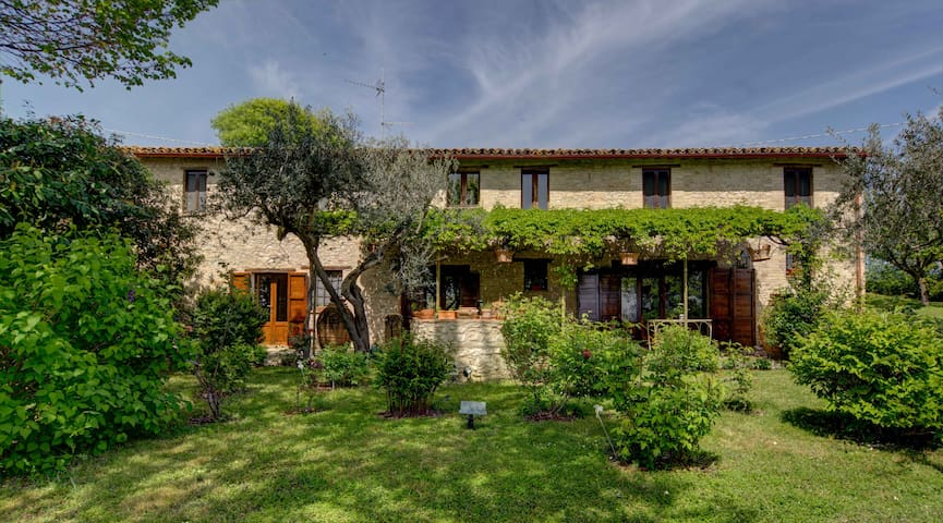 Beautiful Casale in Montefalco - Turri - Villa