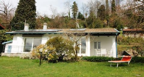 Casa Zara, villetta con giardino e piccola piscina