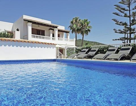 Villa Kiku Ibiza: Excellent location and value