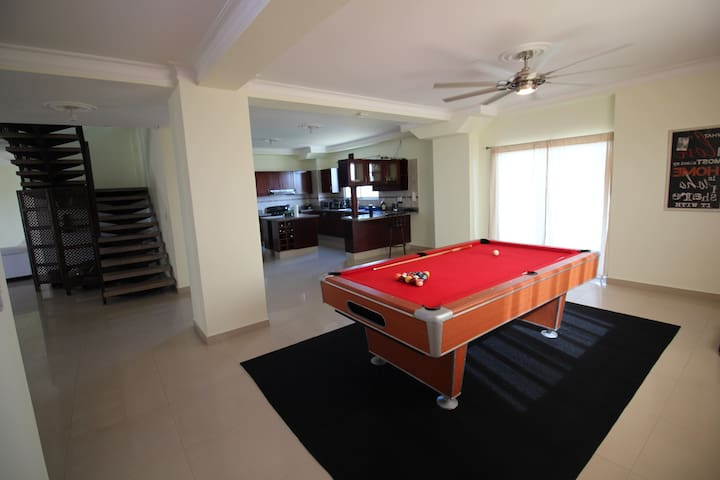 Ultimate Luxury Penthouse | Safe & Great location! - Santiago de los Caballeros - Apartamento
