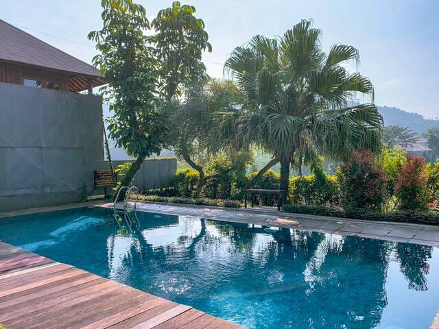 4 BR Villa Dago Pakar 36 + Private Swimming Pool