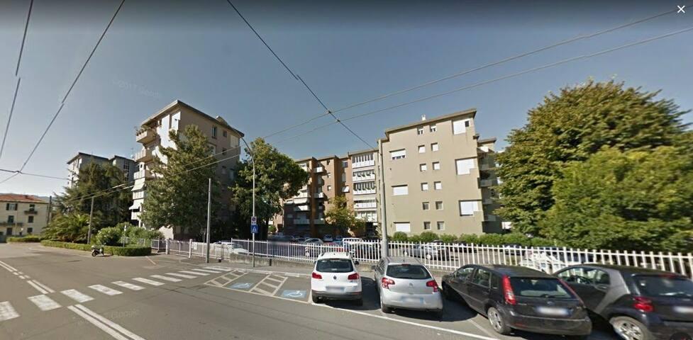 Il palazzo - The building