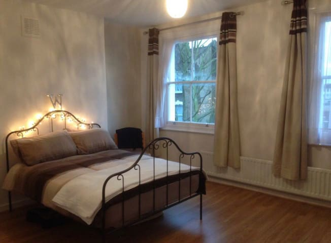 Spacious Double Room in Finsbury Park