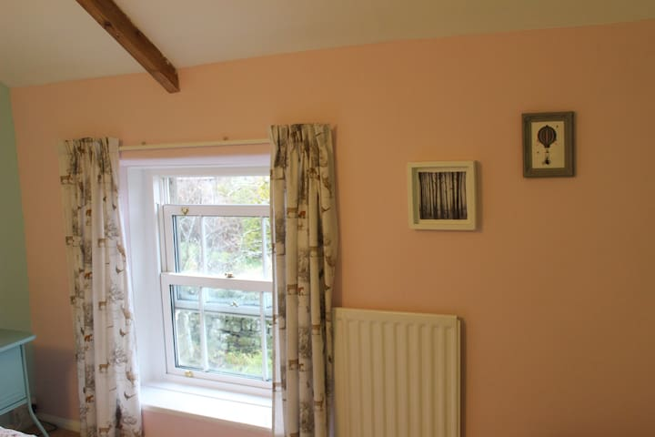 Middles, a cosy stone cottage in Northumberland - East Woodburn - Huis
