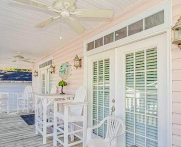 """""""Beach Fever""""  Private Home in Ocean Lakes"""